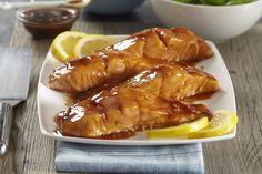 Roasted Salmon with Herbed Cream Cheese Recipe - Kraft Canada Honey Salmon, Garlic Salmon, Roasted Salmon, Salmon Recipes, Fish Recipes, Seafood Recipes, Dinner Recipes, 200 Calories, Honey