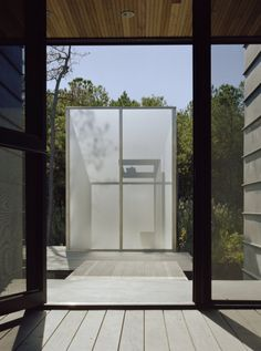 Bathroom: Outdoor Bathroom Designs On Hoopers Island By David Jameson Architect With Glass Partitions And Woode Flooring: Extraordinary Outdoor Bathroom Design