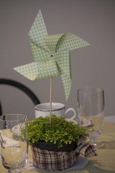 Arranjo de mesa simples e bonito!
