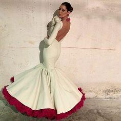 Watch the Best YouTube Videos Online -  @devolantesyarte - Lo nuevo de @pedrobejar es espectacular!! Y más si la que lo lleva es ella @isabel_jimenez_rosado  . . [#flamenca#flamencas#modaflamenca#volantes#flamencasyvolantes#flamencastyle#trajesdeflamenca#flamencadress#instaflamenca#fashion#fashionblogger#model#beflamencabecool#flamencas2019#modaflamenca2019#flamencasconarte#flamencastendencias#flamencodress… Spanish Woman, Spanish Style, Flamenco Dancers, Spanish Dress Flamenco, Evening Dresses, Formal Dresses, Wedding Dresses, Spanish Fashion, Models