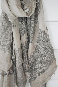 I could make this!.  So glad for Hi Fashion Fabrics in midtown Houston.