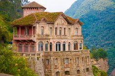 Abandoned hotel: Hotel Del Salto,  Columbia