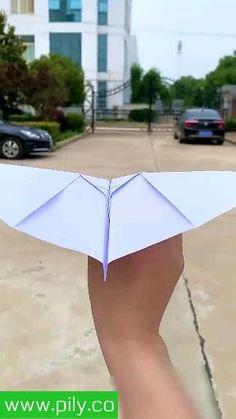 IDEIAS MARAVILHOSAS Visite meu canal do YouTube clicando no site  TAGS #instagram #story #storie #video #novidades Diy Crafts Hacks, Diy Crafts For Gifts, Diy Home Crafts, Creative Crafts, Fun Crafts, Creative Art, Creative Ideas, Instruções Origami, Paper Crafts Origami