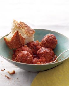 Slow-Cooker Spanish Meatballs Paprika and cumin give these meatballs their Spanish flavor. They can be cooked for five hours, plenty of time to prep other tapas. Get the Slow-Cooker Spanish Meatballs Recipe Best Slow Cooker, Crock Pot Slow Cooker, Crock Pot Cooking, Slow Cooker Recipes, Crockpot Recipes, Cooking Recipes, Healthy Recipes, Slower Cooker, Cooking Tips