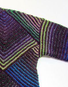 This garter stitch jacket is done in modules, with very little sewing required. Almost any combination of yarns is possible, b. Knit Vest Pattern, Crochet Jacket, Crochet Blouse, Knit Crochet, Knitting Patterns, Knitting Stitches, Knitting Designs, Knitting Yarn, Free Knitting