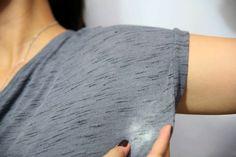 Veja duas receitas caseiras de como tirar mancha de desodorante amarelada ou esbranquiçada!