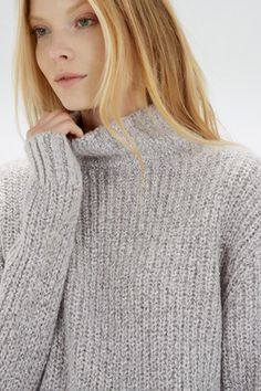 This on-trend jumper is constructed from a lightweight knit with stretch and features a cable knit and glitter flick design, turtle neck and ribbed cuffs.Length of jumper from shoulder seam to hem; 75cm approx. Height of model shown 5ft 10inches/178cm. Model wears: UK size 10.