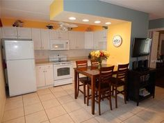 Beautiful Condo with Private Beach in Beautiful Siesta Key Beaches - Siesta Key Siesta Key, Florida Home, Washer And Dryer, Swimming Pools, Condo, Table, Furniture, Beautiful, Homes