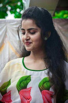 Beautiful Girl Photo, Beautiful Girl Indian, Most Beautiful Indian Actress, Bollywood Actress Hot, Beautiful Bollywood Actress, Beautiful Actresses, Indian Film Actress, South Indian Actress, Indian Actresses