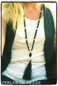 Sautoir chic pierres naturelles Onyx noir, pompon de soie noir et cristal d'Autriche noir : Collier par perles-de-filles