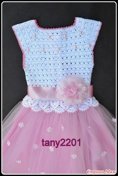 New crochet ideas for baby girls tutu dresses ideas Baby Girl Tutu, Baby Girl Crochet, Crochet Baby Clothes, Crochet For Boys, Baby Girls, Crochet Tutu Dress, Crochet Summer Dresses, Diy Dress, Dress Lace