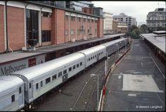 Spencer Street Up ''Overland'' Express (NR 94)