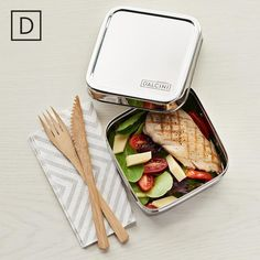Shop plastic-free, non-toxic stainless steel sandwich boxes for kids and adults and other food storage solutions from Dalcini at Ample + Good, Canada's place to buy eco-friendly and sustainable health, wellness, and home products. Sandwich Box, Sandwiches, Pita Wrap, Stainless Steel Containers, Organic Cleaning Products, Eco Products, Beeswax Food Wrap, No Plastic, Sushi Rolls