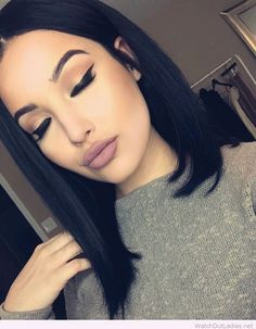 This is how you do it! Isn't this combo gorgeous? You must try the nude lips with your black hair. It will make your complexion glow. Check now! <3