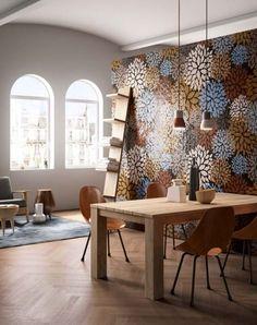Revestimientos que presentan una cerámica pintada a mano, creando un ambiente luminoso y dando vida con sus colores y diseños geométricos. #mosaico #mediterranianvibes #decoración #neocerámica
