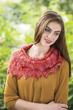How lovely is the Caterpillar Cowl/Infinity Scarf? Find it in Interweave Knits Winter Knit Cowl, Knitted Shawls, Knit Crochet, Knitting Magazine, Loop Scarf, Neck Warmer, Knitting Yarn, Knitting Projects, Caterpillar