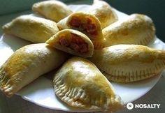 Meat Recipes, Cooking Recipes, Hungarian Recipes, Hungarian Food, Calzone, Empanadas, Ravioli, Tupperware, Hot Dog Buns