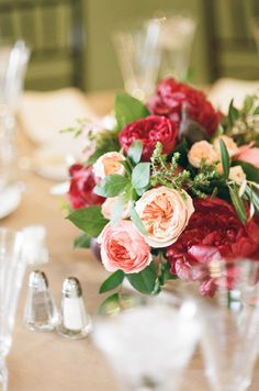 Blush and red garden rose centerpiece | Rochelle Cheever Photography