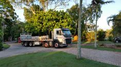 Yes we DELIVER! 😁 We can deliver your #bricks, #blocks and #pavers using #dantrans, our purpose-built fleet of Volvo trucks 🚚 🚚🚚 🚚🚚 with all-terrain forklifts.      #trucks #toowoomba #palletfreight  darlingdownsbricksales #landscapesupplies #landscapingtoowoomba #toowoombalandscapingsupplies #landscapesupply #landscapesuppliestoowoomba