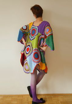 The rich, vivid colors of this dress/tunic will truly make you the queen of retro. It is extremely versatile, hip and fun to wear. It can fit almost any size, and works great as either a casual minidress or a fancy tunic! The dress on the photo has the f Crochet Jumper, Crochet Coat, Fancy, Vestidos Retro, Plus Size Kleidung, Dress Images, Wool Dress, Retro Dress, Maternity Dresses