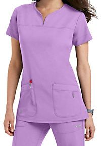 Grey's Anatomy Signature scrubs offer elegant styling and functional design. Browse through Scrubs & Beyond's collection of colors and prints and order today! Greys Anatomy Uniforms, Greys Anatomy Scrubs, Scrubs Outfit, Scrubs Uniform, Stylish Scrubs, Womens Scrubs, Medical Scrubs, Nursing Dress, Scrub Tops