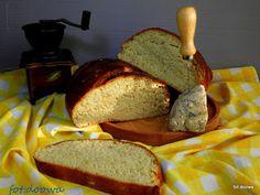 Moje Małe Czarowanie: Chleb z serem pleśniowym