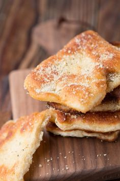 Looking for Fast & Easy Bread Recipes, Side Dish Recipes! Recipechart has over free recipes for you to browse. Find more recipes like Easy Garlic Parmesan Fry Bread. Fried Bread Recipe, Yeast Bread Recipes, Quick Bread Recipes, Easy Bread, Cooking Recipes, Spelt Recipes, Meal Recipes, What's Cooking, Yummy Recipes