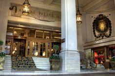 Entrada do Alvear Palace Hotel com plataforma elevatória Bs As, French Architecture, Palace Hotel, Friend Pictures, Friends, Home Decor, Traveling, The World, Tourism