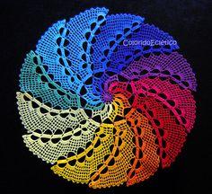 Crocheted table centerpiece | Cristina Vasconcellos / ColoridoEclectico via Flickr: 48cm diameter
