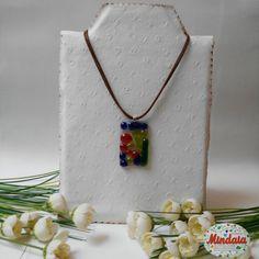 Collar multicolor vidrio fusing. Colgante  por ElRincondeMindaia