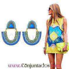 Pendientes Iraide ★ 12'95 € en https://www.conjuntados.com/es/pendientes/pendientes-largos/pendientes-iraide-dorados-con-cuentas-azules.html ★ #pendientes #earrings #conjuntados #conjuntada #joyitas #lowcost #jewelry #bisutería #bijoux #accesorios #complementos #moda #eventos #bodas #invitadaperfecta #perfectguest #party #fashion #outfit #estilo #style #streetstyle #GustosParaTodas #ParaTodosLosGustos