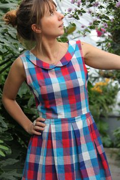 Fall for Opale – Along avec Anna Dress Neck Designs, Blouse Designs, Frock Fashion, Fashion Outfits, Casual Frocks, Frock Patterns, Cotton Frocks, Moda Outfits, Churidar Designs