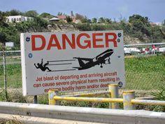 Let op: vertrekkende vliegtuigen. (video)