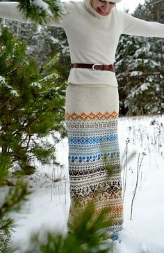 Ravelry: Gusik's Towards the snow butterflies.....--- Gorgeous skirt, I wonder how long it world take to knit this...