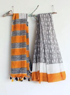 These Cotton Saree - The Most Beautiful Attire, A timeless Fashion which Refuses to Retire. Embroidery On Kurtis, Kurti Embroidery Design, Block Print Saree, Timeless Fashion, Women's Fashion, Scarf Design, Party Wear Sarees, Printed Sarees, Diy Clay