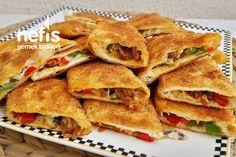 Pizza Tadında Tavada Börek Tarifi nasıl yapılır? 17.930 kişinin defterindeki bu tarifin detaylı anlatımı ve deneyenlerin fotoğrafları burada. Snack Recipes, Healthy Recipes, Yummy Recipes, Pizza, Homemade Beauty Products, Baked Goods, Fries, Deserts, Food And Drink