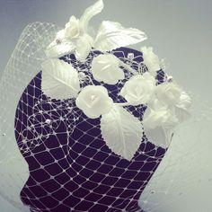 #Eltocadordelanovia#jordianguera #jordiangueranovias #tiaras #tocados #barcelona #bodas #wedding #weddingplaners #zapatos #complementos #costura #novias #bordados #broderies #ramos#flores #