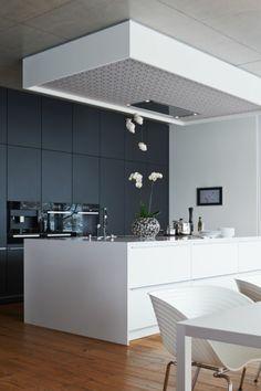 küchenideen weiße kücheninsel graue wandfarbe