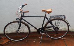Recien entregada, Condorino 27UP en color negro.  Muchas más bicicletas cláscias en www.labiciurbana.com Color Negra, Gears, Bicycle, Vehicles, Colors, Bike, Gear Train, Bicycle Kick, Bicycles