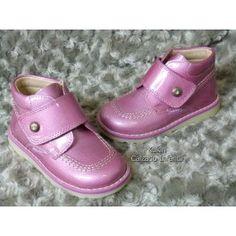 10fc923748f Botín rosa Pablosky Fabricadas en España  calzadoinfantil  modainfantil   kidshoes  ninos  ninas  kids  fashionkids  kidsfashion  botas  botines   charol   ...
