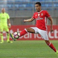João Teixeira, jovem médio do SL Benfica que trabalhou com o plantel principal das águias desde o início da pré-época, vai jogar no Wolverhampton,…