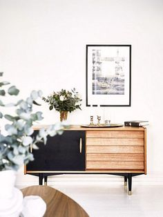 LOVE this living room console – the style, the colors! 33 Unique Interior European Style Ideas To Rock This Summer – LOVE this living room console – the style, the colors! Decoration Inspiration, Interior Design Inspiration, Decor Ideas, Room Ideas, Furniture Inspiration, Home Interior, Interior Decorating, Interior Styling, Decorating Ideas