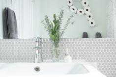 Modern Bathroom Remodel — Neutral majority