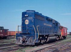 Norfolk & Western 1329, EMD GP40.