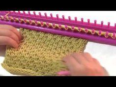 Otro punto o puntada cambiando los puntos entre vueltas completas, en el entendido de que sabiendo ya cómo empezar y terminar, puedan hacer una bufanda, o cu... Loom Knitting Stitches, Knifty Knitter, Loom Knitting Projects, Tunisian Crochet, Knit Crochet, Tatting Jewelry, Weaving Patterns, Crochet Videos, Loom Weaving
