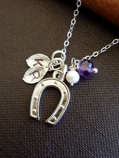 personalized lucky horse shoe necklace