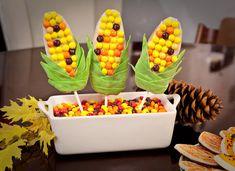 Decorate Corn Cookies with Gum · Edible Crafts   CraftGossip.com