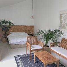 아이폰 감성 배경화면 / 안드로이드 감성 배경화면 : 네이버 블로그 Small Room Design Bedroom, Home Bedroom, Room Decor Bedroom, Living Room Decor, Bedroom Inspo, Bedrooms, Apartment Interior Design, Room Interior, Interior Design Living Room