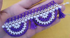 İnciden Havlu Kenarı Yapımı ,  #2renklihavlukenarıörnekleri #havlukenarıörnekleritığişi #inciboncukluoyalar #incilioyayapılışı , Dantel örnekleri ile devam ediyoruz. Aynı modelin bir farklı versiyonunu iğne oyası modellerinde de görmüştüm. Şimdi dantel havlu kenarı ö... Crochet Borders, Friendship Bracelets, Crochet Earrings, Miniature, Pattern, Jewelry, Fashion, Towels, Tejidos