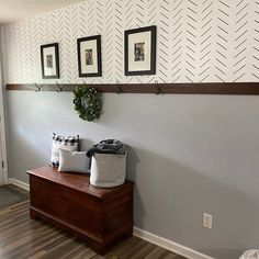 Sharpie Wall, Herringbone Wall, Home Upgrades, Diy Home Decor Projects, Home Remodeling, Stencil Diy, Decoration, Geometric Wall, Diy Wall